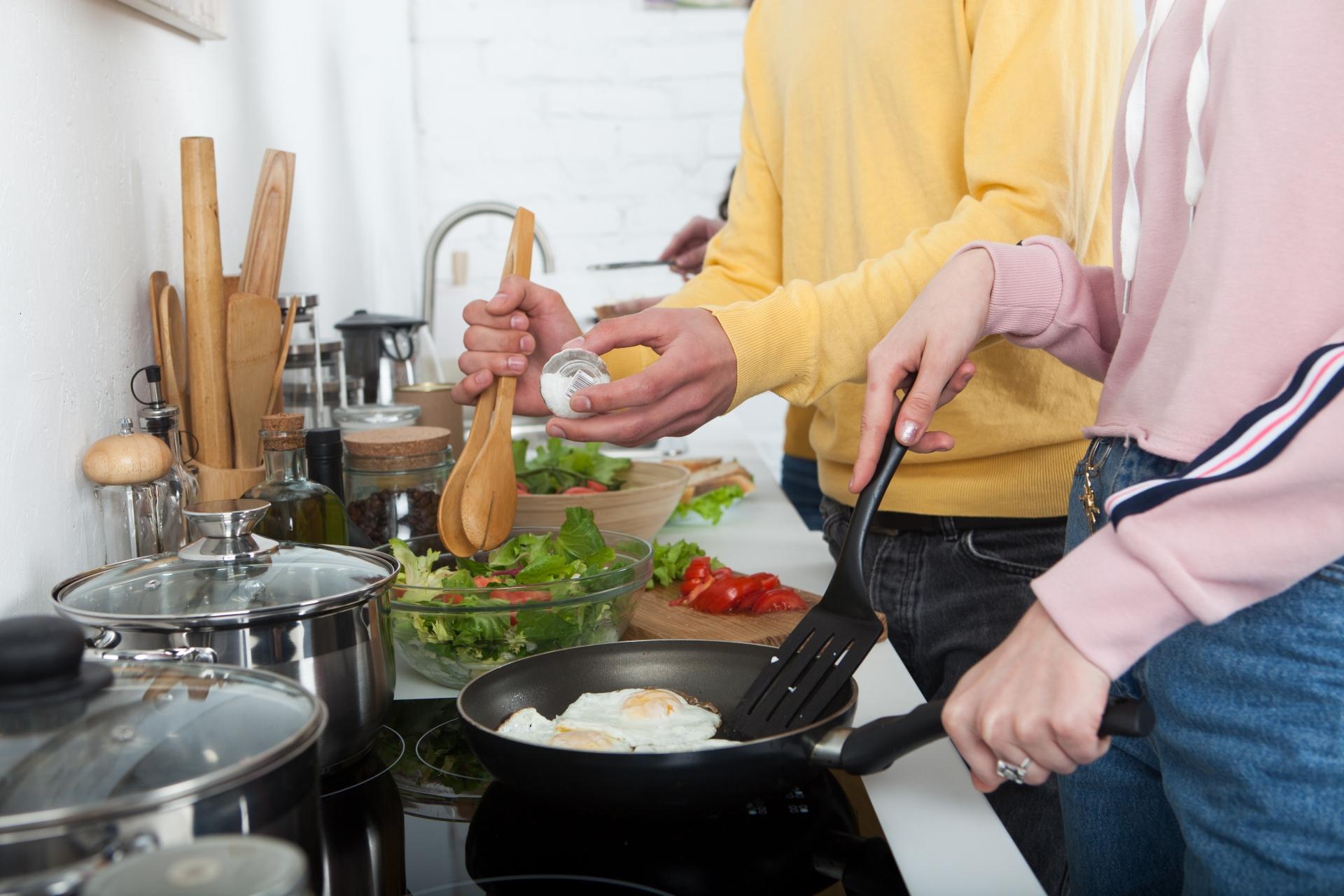 【時流解説】ゴーストレストラン、シェアキッチン、クラウドキッチンとは?